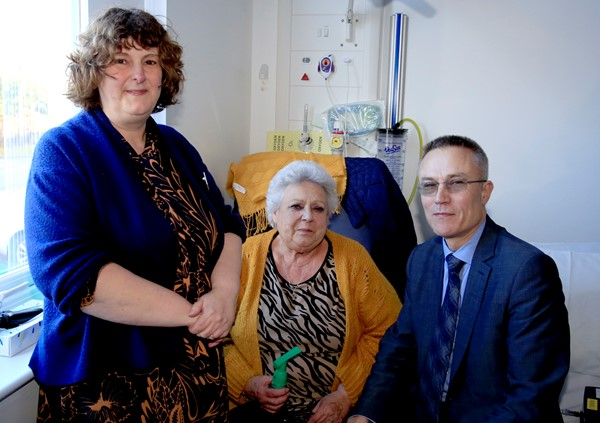 Left to right: WVT consultant microbiologist Alison Johnson, left, and Dr Paul Harris catch up with patient Jenny Davies at Hereford County Hospital, to discuss the use of antibiotics.